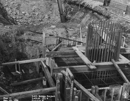 Image: di128501 - Pier 11, I-471 bridge project