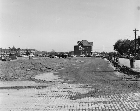 Image: di128512 - Dense grade on ramp B, looking East from Park Avenue, I-471 bridge project