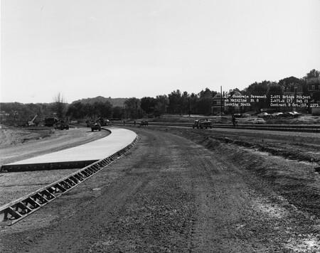Image: di128516 - Concrete Pavement on Mainline Rt 8, looking South, I-471 bridge project