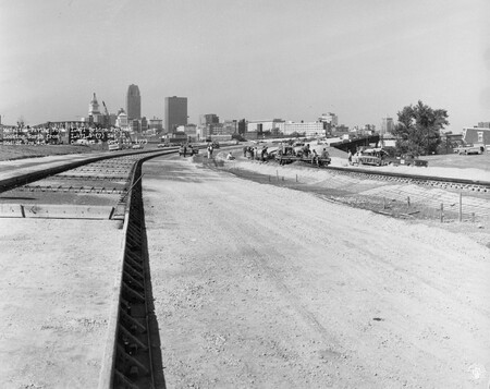 Image: di128517 - Mainline paving forms, looking North, I-471 bridge project