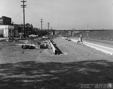 Image: di128523 - Riverside Drive, looking West from floodgate, I-471 bridge project