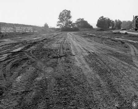 Image: di128524 - Ramp A, looking South from Riverside Drive, I-471 bridge project