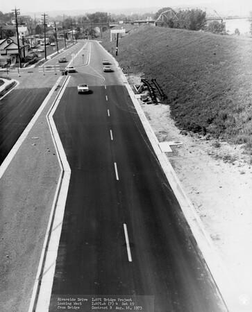 Image: di128530 - Riverside Drive looking West, I-471 bridge project