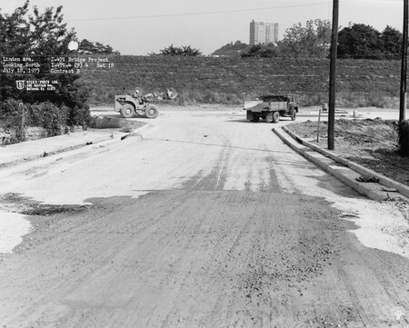 Image: di128534 - Linden Avenue, looking North, I-471 bridge project. Photo from Stevie Photo Lab, 400 Fairfield Avenue....