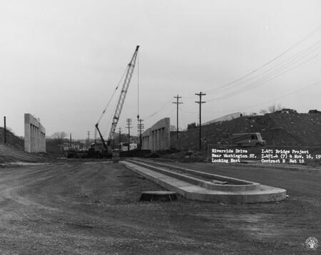 Image: di128590 - Riverside Drive near Washington St., looking East, I-471 bridge project