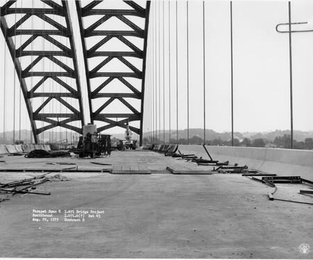 Image: di128642 - Parapet Span 8 Southbound, I-471 bridge project