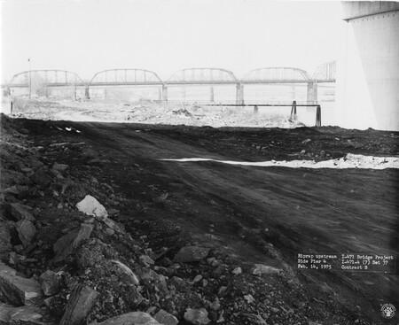 Image: di128669 - Riprap upstream, side pier 4, I-471 bridge project