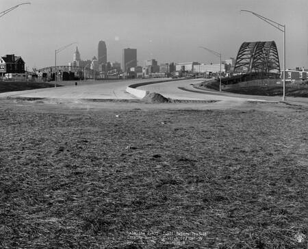 Image: di128683 - View of bridge looking toward Cincinnati, I-471 bridge project