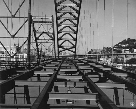 Image: di128692 - Looking North at Northbound arch from Pier 8, I-471 bridge project