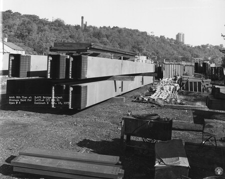 Image: di128750 - Arch rib ties at storage yard for span #8, I-471 bridge project