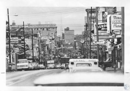Image: di13223 - Christmas decorations, looking north from 10th Street