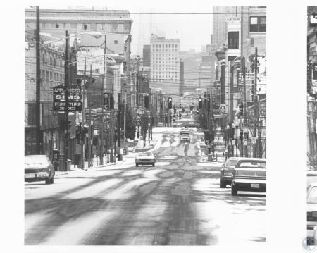 Image: di13233 - view north on a snowy Madison Avenue