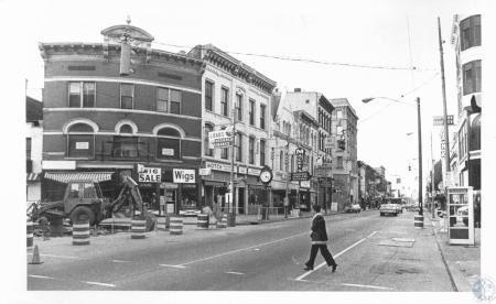 Image: di13238 - north on Madison from Pike Street