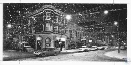 Image: di13270 - snow falling on Madison