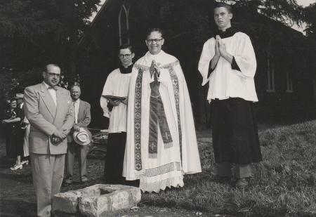 Image: di130020 - Fr. Jerome Heuemann at St. Francis de Sales Church