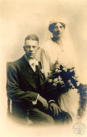 Image: di131064 - Wedding portrait of Cyril John Schulte and Catherine Rose Schmees.