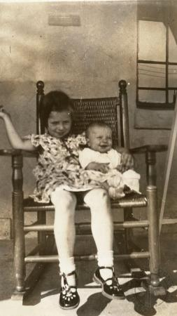 Image: di131165 - Mary Minnette Whaley and Madaline