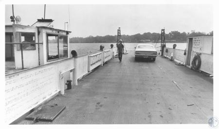 Image: di14302 - Nick Bethel on ferry returning to Warsaw