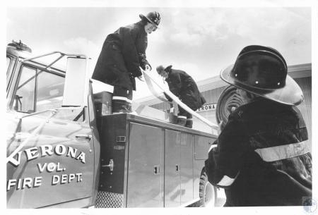 Image: di14400 - Mrs. Juanita Jones, Mrs. Eleanor Baker, Mrs. Marianne Kunos, Verona Fire Dept. Trainees