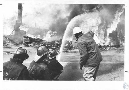Image: di14628 - Fire at Tom Sawyer Restaurant