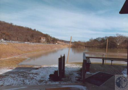 Image: di14752 - 1996 Spring Floods, looking North on KY 17, Fort Wright Golf Range