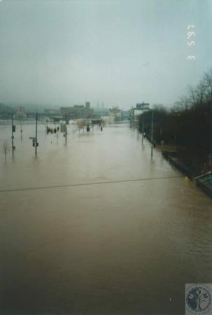 Image: di14942 - 1997 Flood