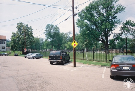 Image: di140082 - View of parking along Linden Avenue.