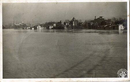 Image: di140107 - Covington riverfront