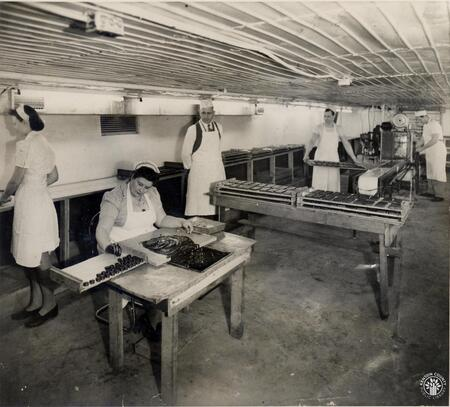 Image: di140124 - The later dipping machine,