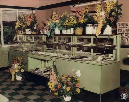 Image: di140139 - View of the inside with flowers of Lily's Candies store.    These images appeared in the Northern Kentucky....