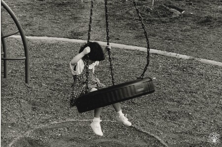 Image: di140332 - Unnamed girl - Photo taken for 1995 Newport Bicentennial project done by NKU students.