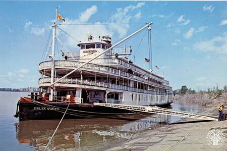 Image: di140402 - Delta Queen steamboat