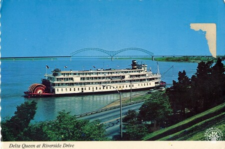 Image: di140403 - Delta Queen steamboat at Riverside Drive.