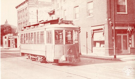 Image: di140411 - NKY electric streetcars - was the last operating streetcar in USA using hand-braker, 2 man crew, 4 wheel....