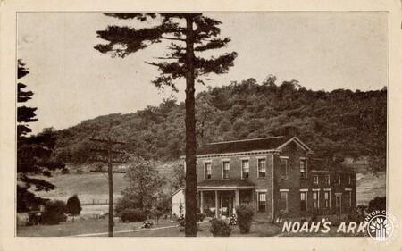 Image: di140422 - Noah's Ark Hotel