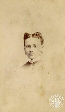 Image: di140493 - Unknown woman - photo by Clifford Photographer, 166 & 168 W. 5th St., Cincinnati