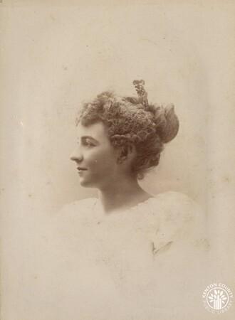 Image: di140510 - Ellie Esterbrook - photo by Benjamin, 156 W. 4th St.