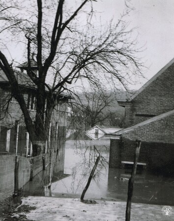 Image: di141000 - Holy Guardian Angels School during the 1937 flood