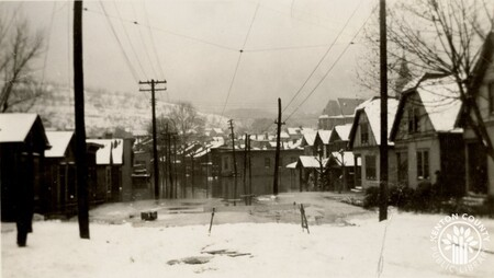 Image: di141012 - 12th and Bullock Streets during the flood of 1937.