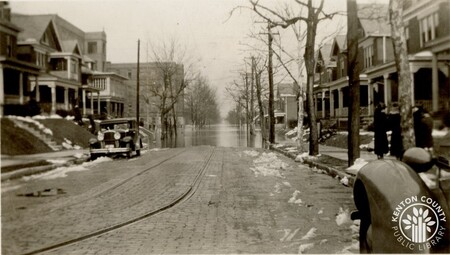 Image: di141016 - Eastern Ave. and 21st St. during the flood of 1937.