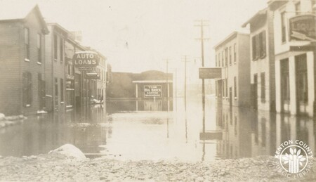 Image: di141018 - 2nd and Madison during the 1937 flood.