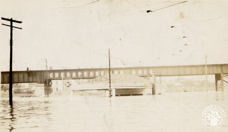 Image: di141031 - 15th and Eastern during the flood of 1937. Pictured underwater is Joe's Service Station.