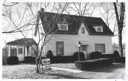 Image: di15905 - unidentified home