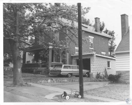 Image: di15908 - unidentified home