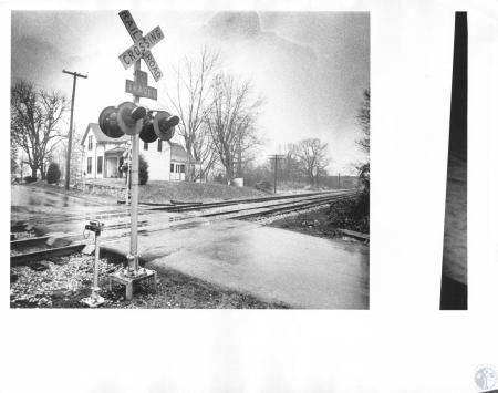Image: di15918 - house and railroad crossing