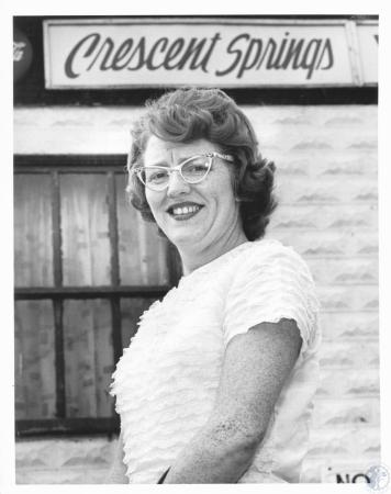 Image: di18998 - Mrs. Marion Hakes, mayor of Crescent Springs