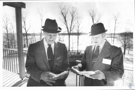 Image: di19199 - John Isler and Gus Sheehan