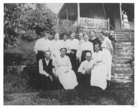 Image: di19436 - Klefkin family