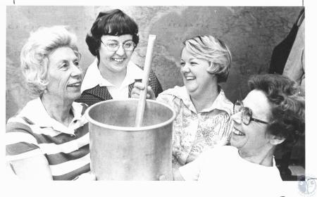 Image: di19597 - Pat Mescher, Barbara Ottosen, Terry Hicks, Helen Bryant