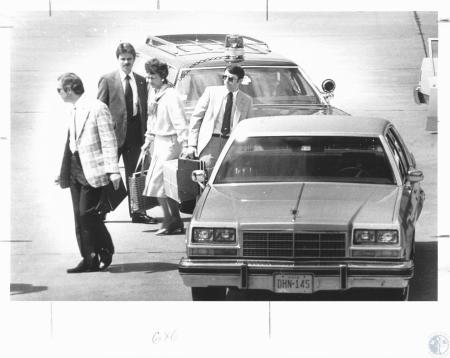 Image: di19685 - Mrs. Joan Mondale at Greater Cincinnati Airport
